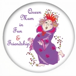 Red Hat Button 388 -the Queen Mum in fun and friendship